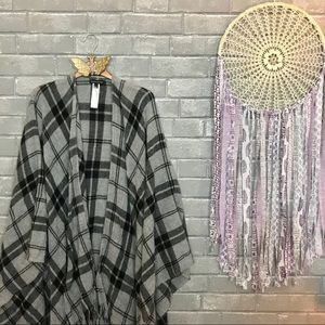 eileen fisher // gray black plaid cashmere wrap os